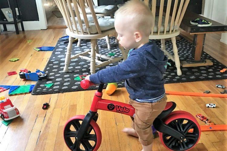 اسباب بازی هایی برای کودکان 1 تا 2 ساله