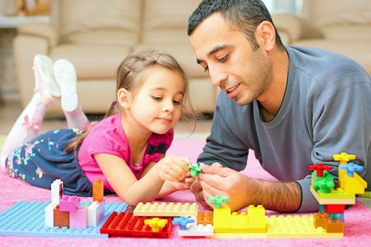 هم بازی شدن با کودک